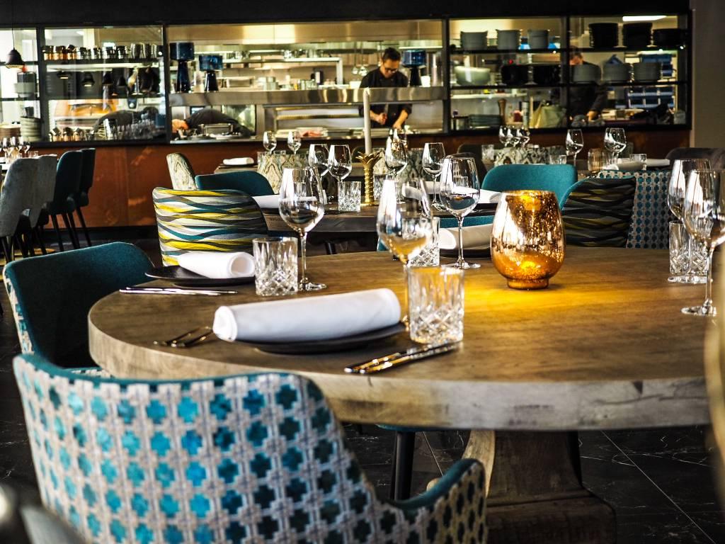 Libanonilainen ravintola Farouge sali